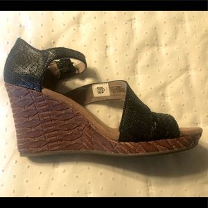 Toms platform heels